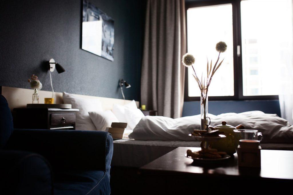 organizar con cortinas dormitorio